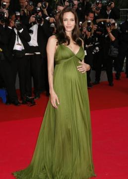 pregnant_angelina_jolie_stunning_at_panda_premiere